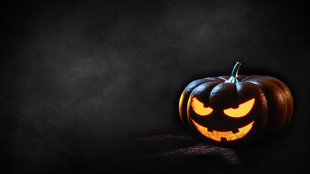 halloween-1702677_640